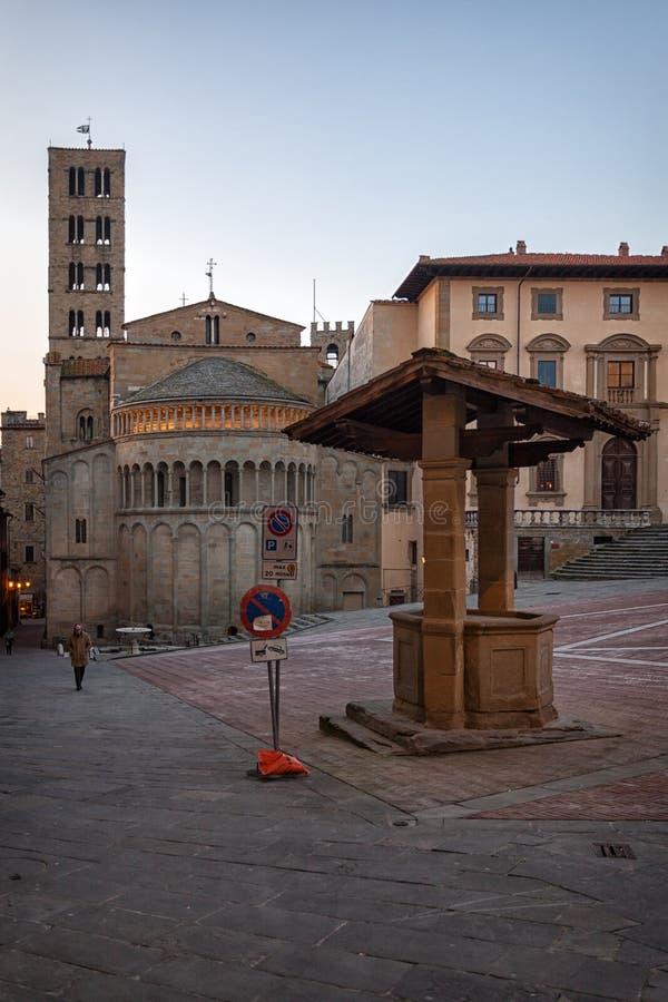 Piazza Grande il quadrato principale della città toscana di Arezzo, Italia fotografie stock
