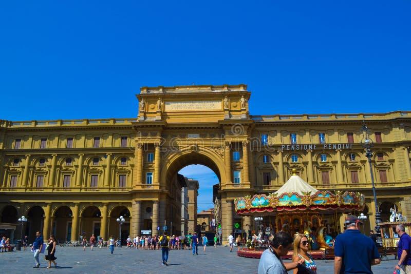 Piazza het Vierkant van de Republiek van dellarepubblica in Florence, Italië royalty-vrije stock fotografie