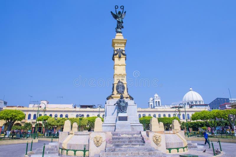 Piazza Libertad in San Salvador lizenzfreie stockfotos