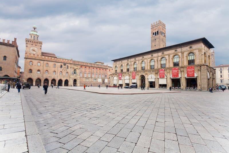 Piazza Maggiore con il palazzo di Accursio immagine stock libera da diritti