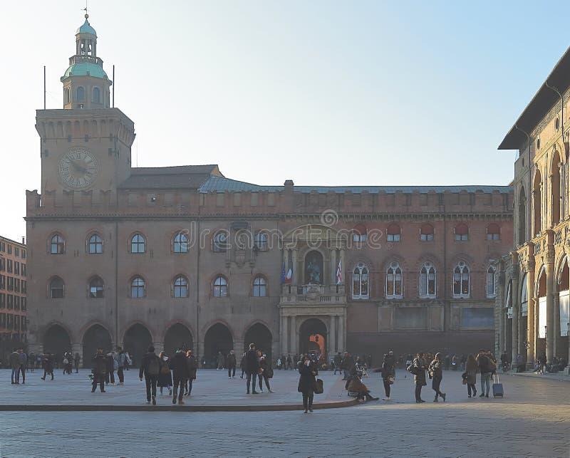 Piazza Maggiore med den Palazzo deien Notai i bolognaen royaltyfria bilder