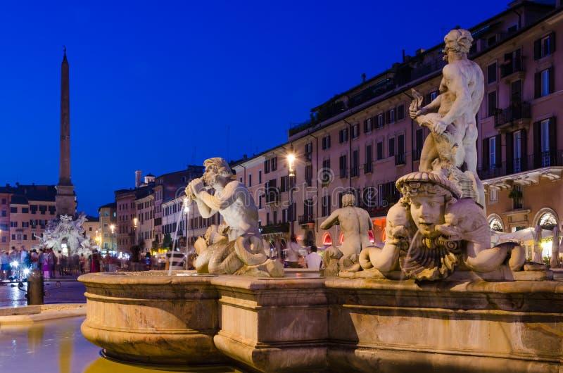 Piazza Navona di notte fotografie stock
