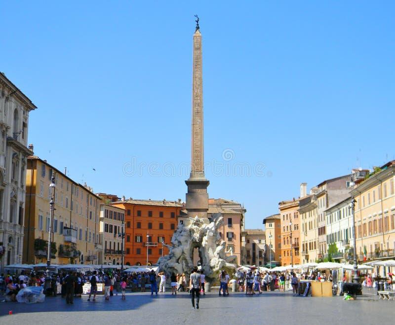 Piazza Navona in een de zomerochtend in Rome royalty-vrije stock foto