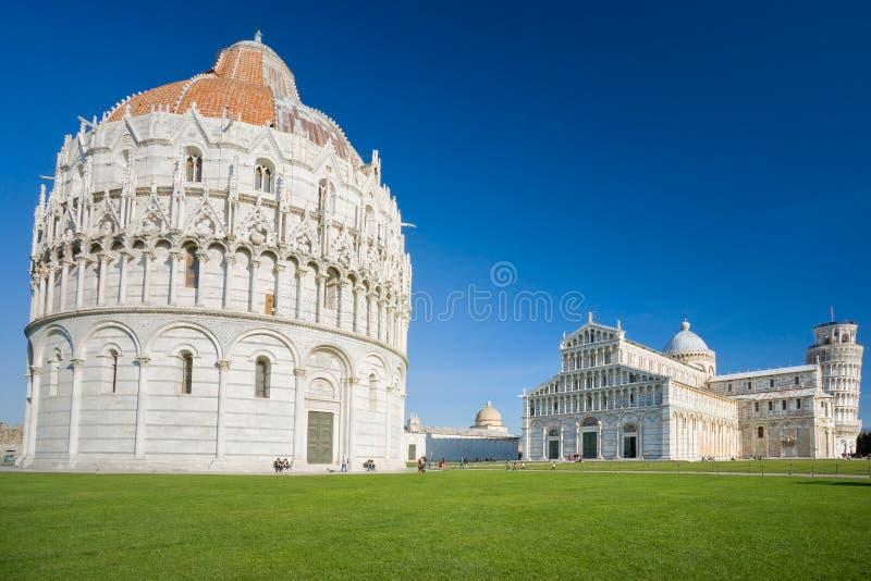 piazza pisa tuscany för deiitaly miracoli royaltyfri bild