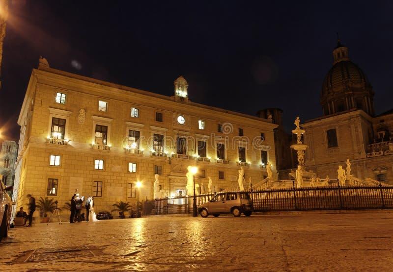 Piazza Pretoria entro Night fotografie stock libere da diritti