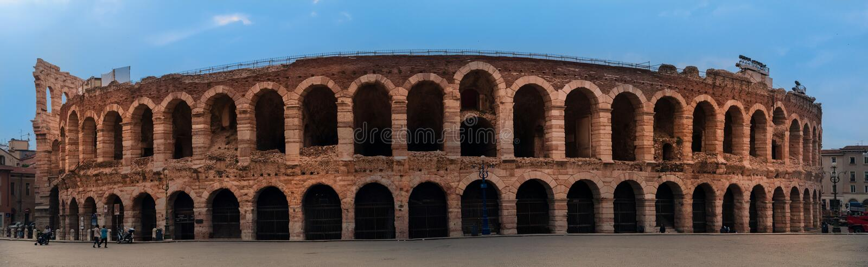 Piazza stanik i arena, Verona amphitheatre w Włochy obrazy royalty free