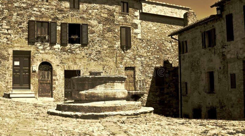 Piazza Vecchietta, Castiglione D'Orcia fotografering för bildbyråer