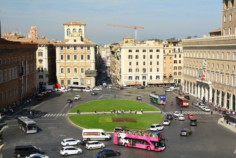 Piazza Venezia ένας από τους πιο πολυσύχναστους κυκλικούς κόμβους Romes στοκ φωτογραφία με δικαίωμα ελεύθερης χρήσης