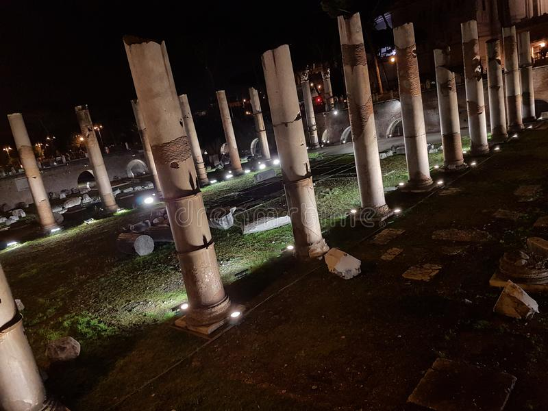 Piazza Venezia på natten royaltyfria foton