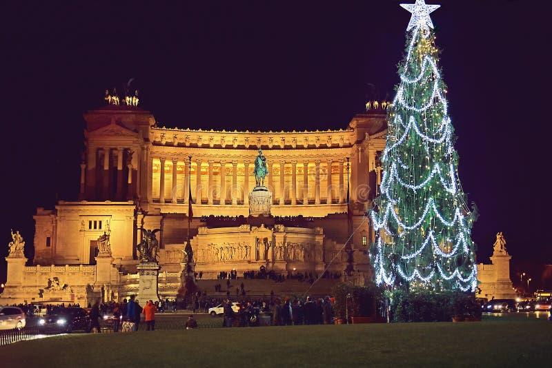 Piazza Venezia in Rome op de nacht vóór Kerstmis royalty-vrije stock fotografie