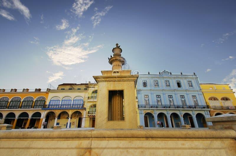 Piazza Vieja, altes Havana, Kuba. 8. FEBRUAR 2010 lizenzfreies stockbild