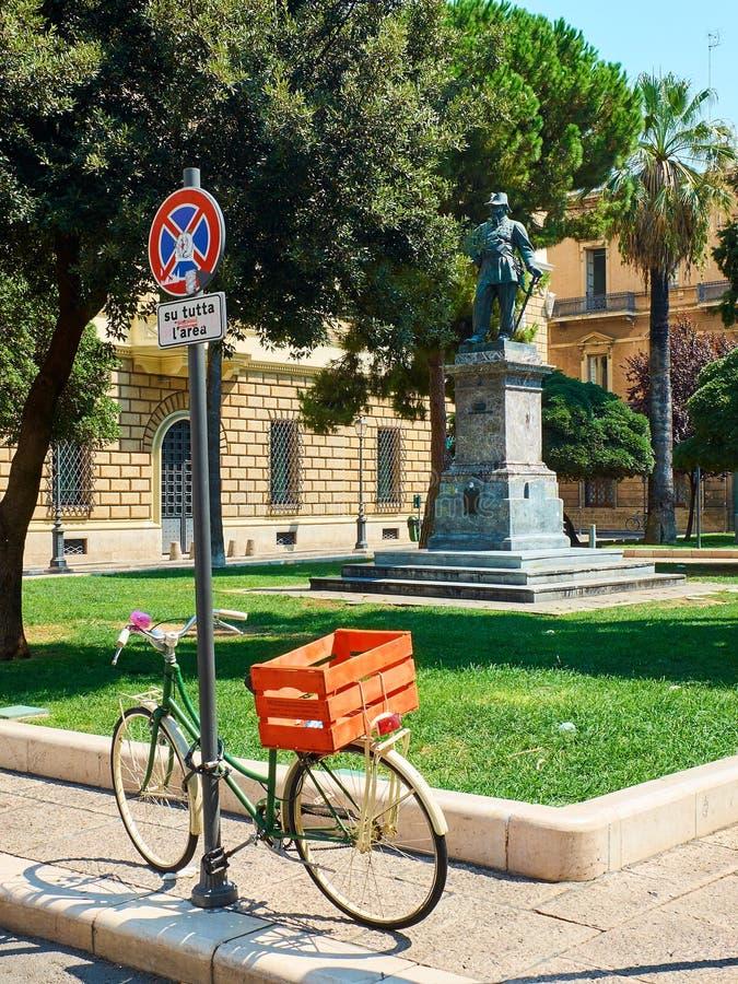 Piazzetta Vittorio Emanuele II kwadrat Lecka Puglia, Włochy zdjęcia stock