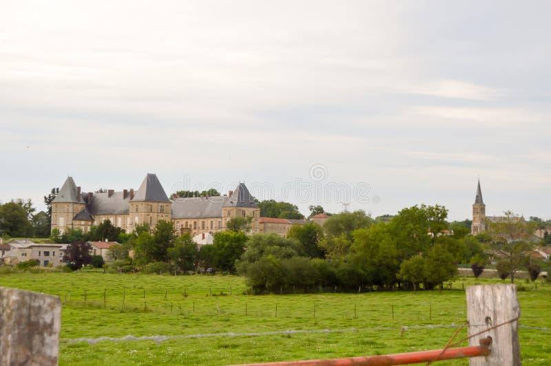PIC da cidade de Pouilly-sur-Meuse imagens de stock royalty free