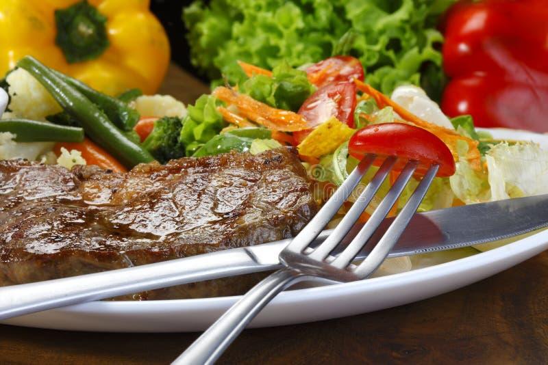 Picanha ed insalata fotografie stock