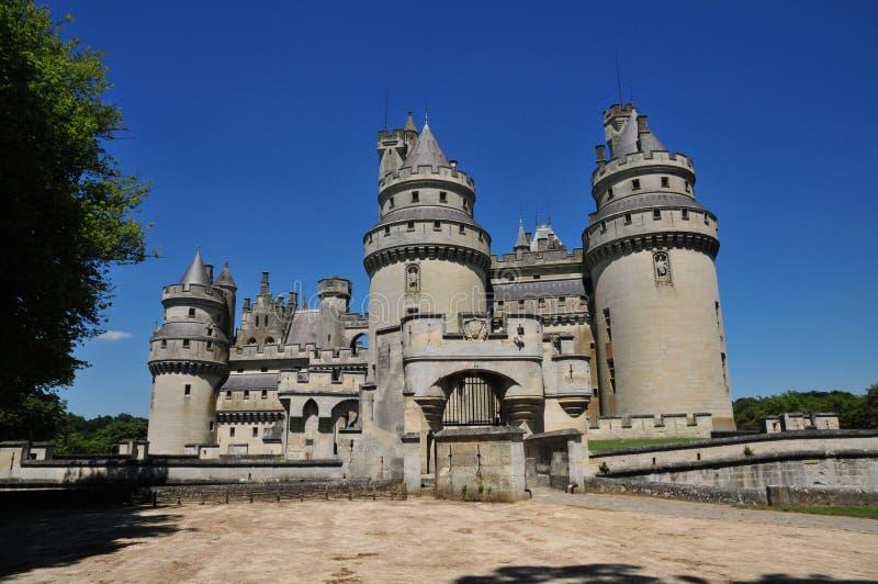 Picardie den pittoreska slotten av Pierrefonds i Oise arkivbild