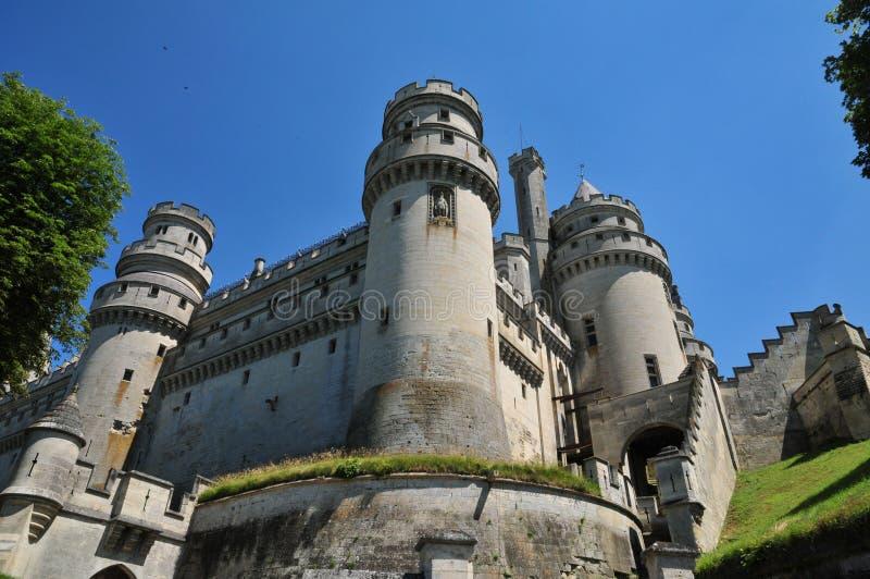 Picardie den pittoreska slotten av Pierrefonds i Oise arkivbilder