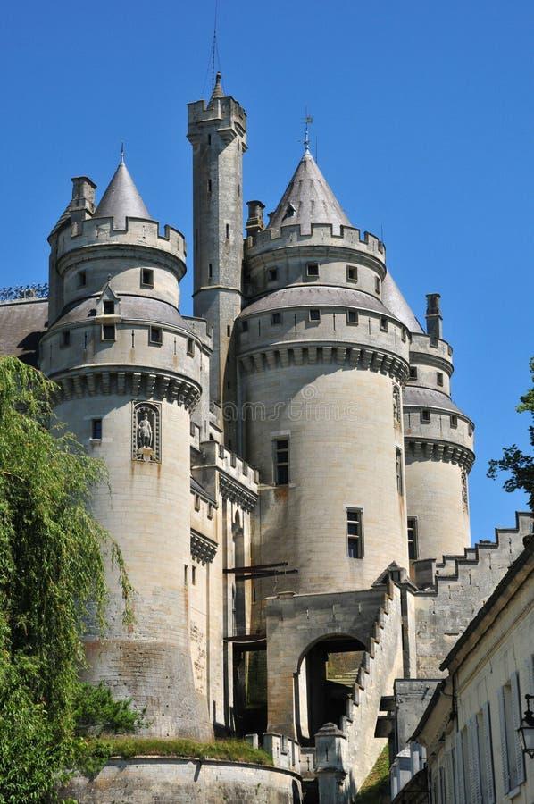 Picardie, le château pittoresque de Pierrefonds en Oise images libres de droits