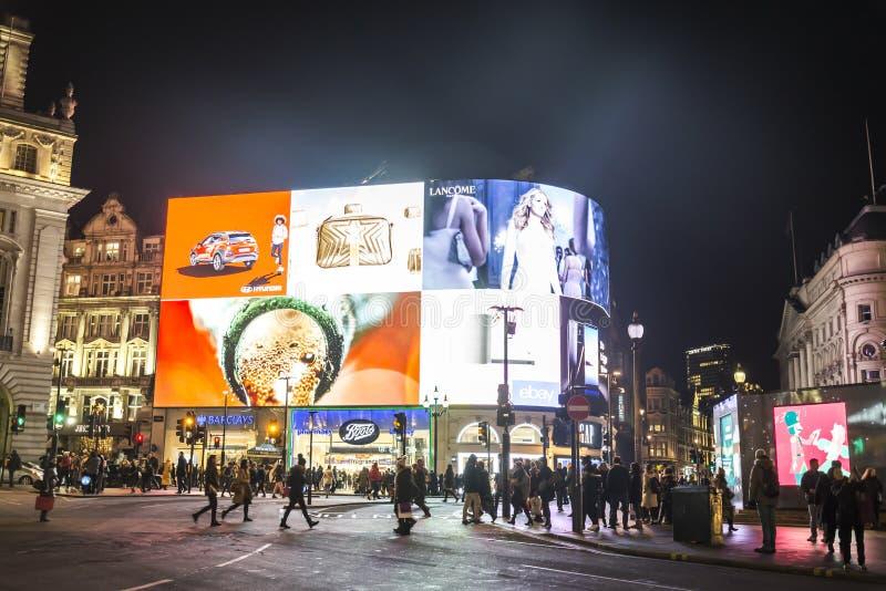 Piccadilly Circus bij nacht, Engeland, het UK stock fotografie