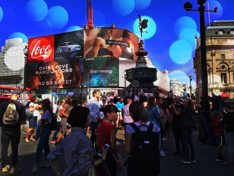 Piccadilly Circus op een zomerdag stock afbeelding