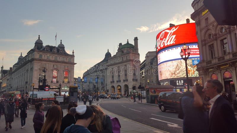 Piccadilys广场,伦敦英国 免版税库存图片