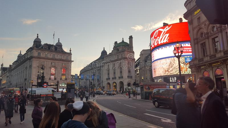 Piccadilys-Quadrat, London Großbritannien lizenzfreie stockbilder