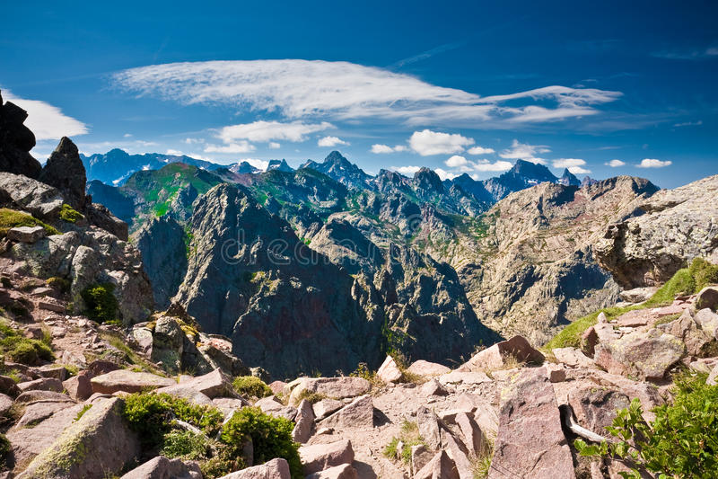 Picchi Irritabili Delle Montagne Corse Immagini Stock Libere da Diritti