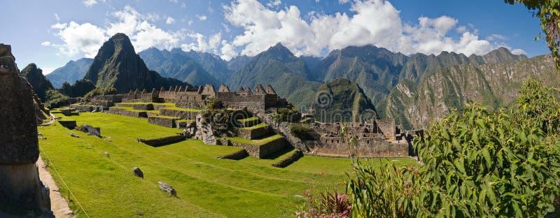 Picchu van Machu met Huayna Picchu op de achtergrond stock foto's