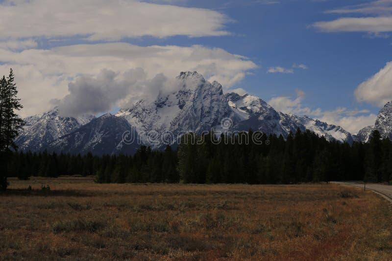 Picco del dente di sega - grande parco nazionale di Teton immagini stock