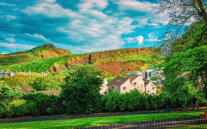 Picco di Arthur Seat del parco di Holyrood a Edimburgo Scozia fotografie stock libere da diritti