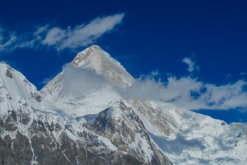 Picco di Khan Tengri in montagne di Tian Shan fotografia stock