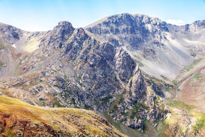 Picco di montagna del paesaggio del plateau di Anzer fotografie stock