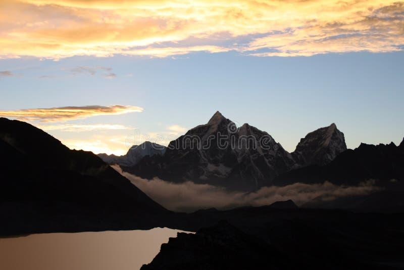 Picco di Taboche - Nepal fotografia stock