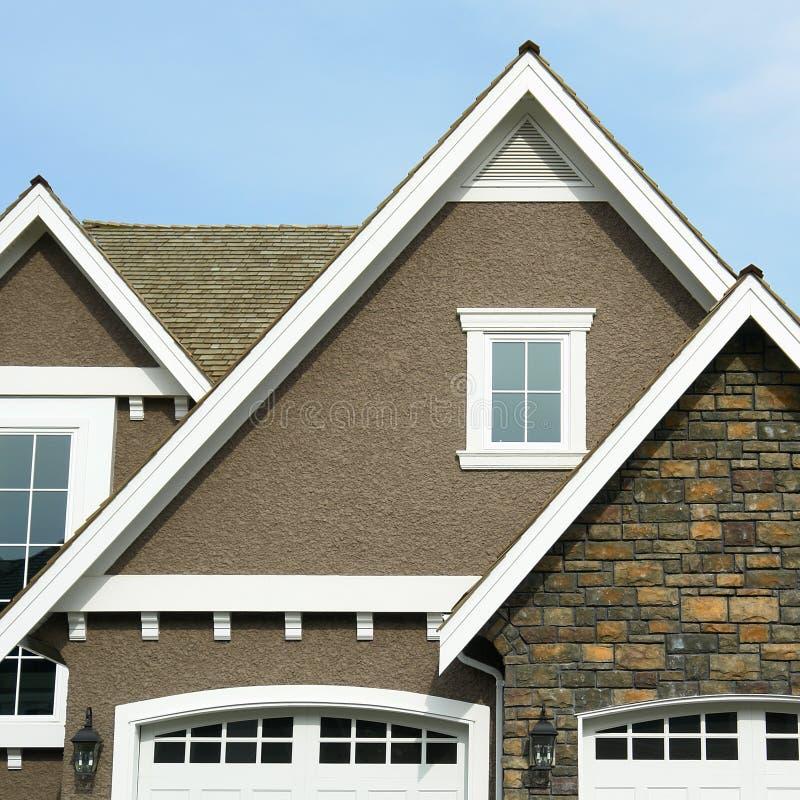 Picco esterno domestico del tetto della Camera immagine stock