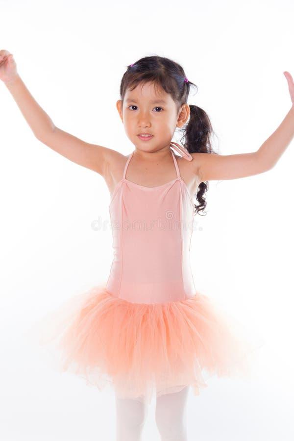Download Piccola Ballerina Nello Studio Immagine Stock - Immagine di d0, preschool: 56884181