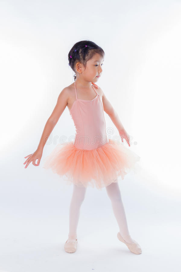 Download Piccola Ballerina Nello Studio Fotografia Stock - Immagine di cute, bellezza: 56884632