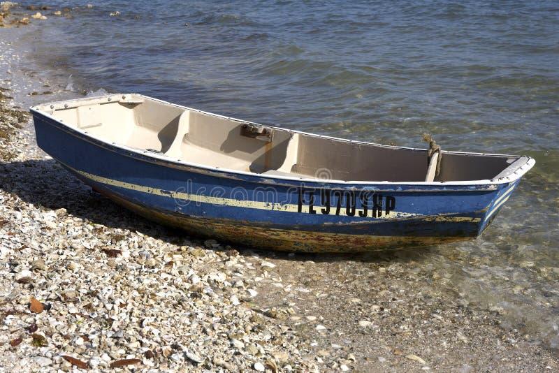 Piccola barca di legno fotografie stock