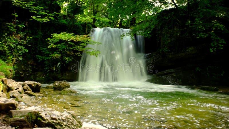 Piccola cascata 2 fotografie stock libere da diritti