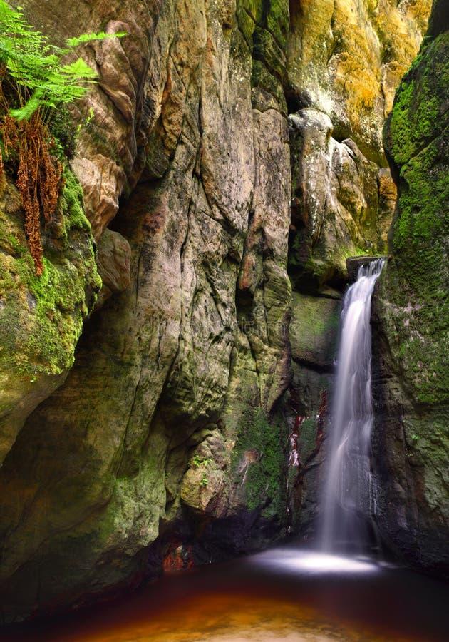 Piccola cascata del adrspach fotografia stock libera da diritti