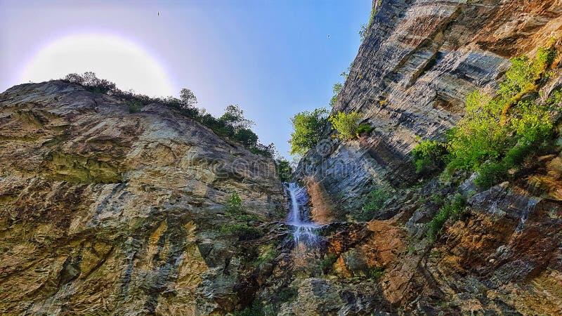 Piccola cascata rumena immagine stock