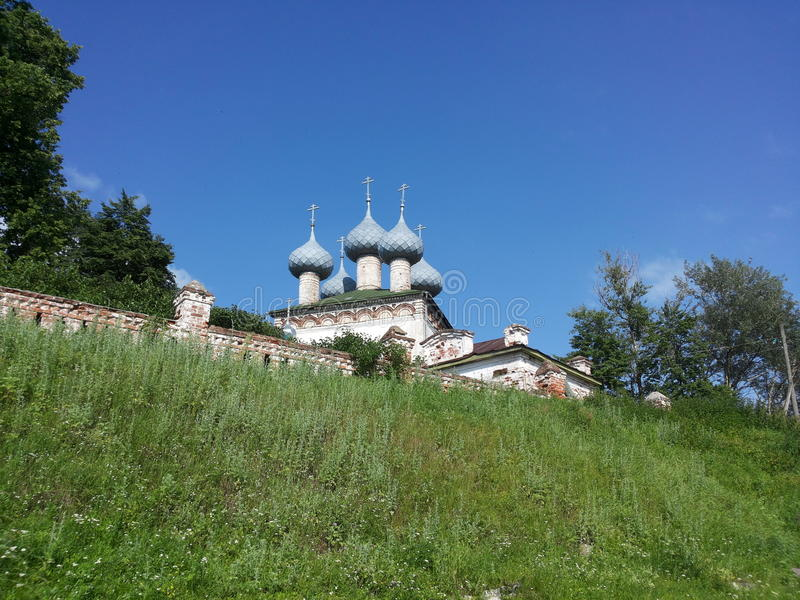 Piccola chiesa del villaggio fotografia stock libera da diritti