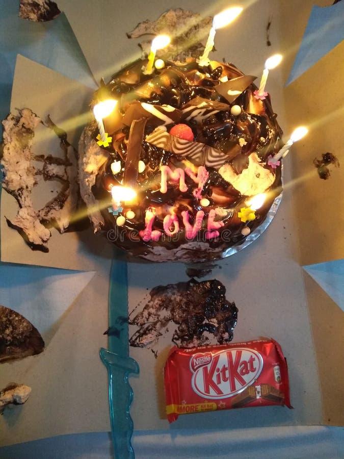 Piccola e torta di compleanno sveglia soltanto sul Punjab la barra fotografia stock libera da diritti