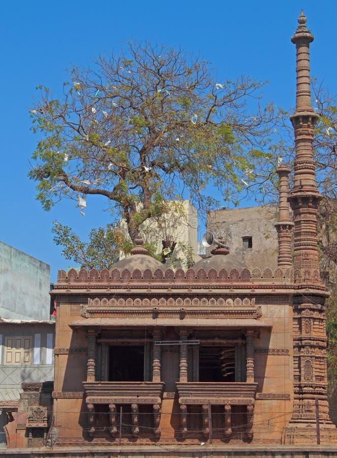 Piccola moschea a Ahmedabad, India fotografia stock libera da diritti