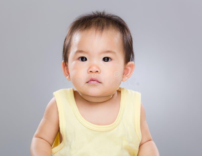 Piccola neonata sveglia fotografia stock libera da diritti