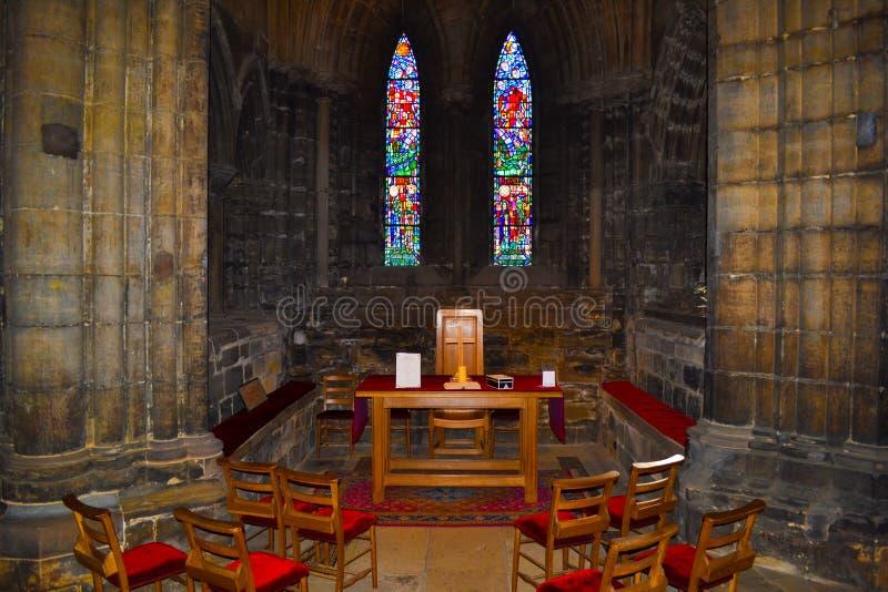 Piccola oratoria dentro di Glasgow Cathedral o alto Kirk del G immagini stock