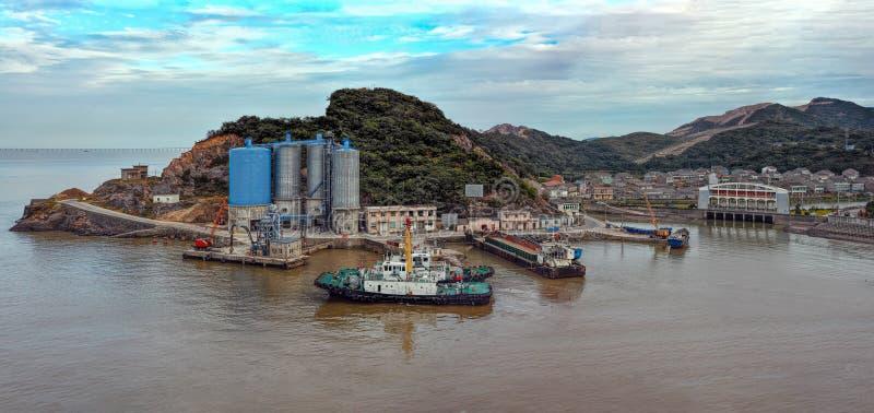 Piccola porta su un'isola in Cina fotografia stock libera da diritti