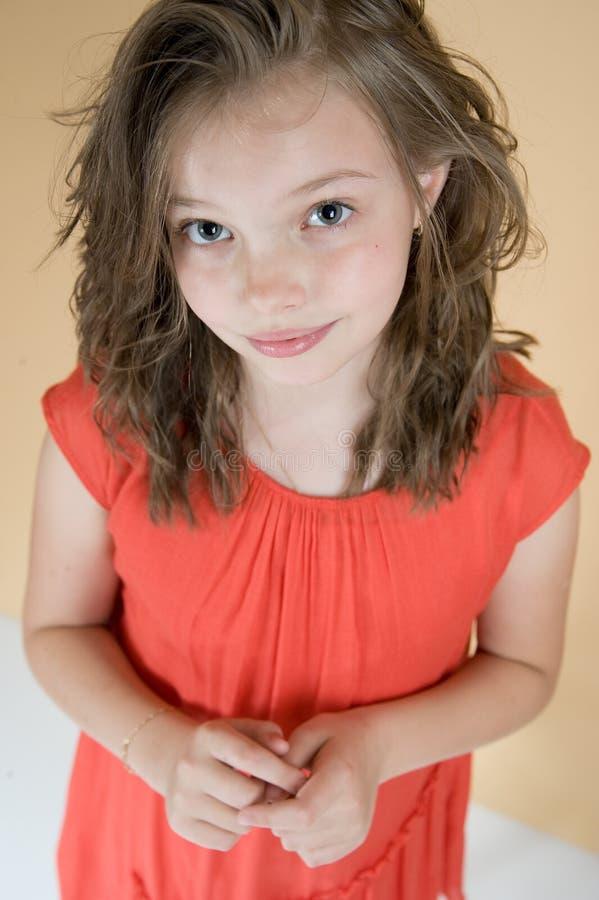 Piccola ragazza modesta (8 anni) fotografie stock libere da diritti