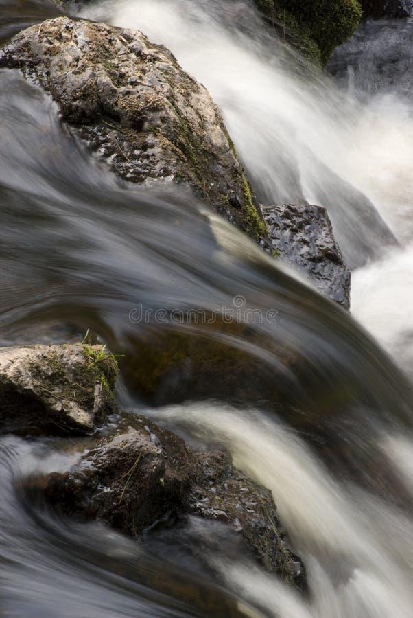 Piccola sosta di condizione di cadute del rame dei rapids fotografia stock