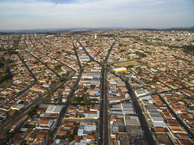 Piccole città nel Sudamerica, città di Botucatu nello stato di Sao Paulo, Brasile immagine stock libera da diritti
