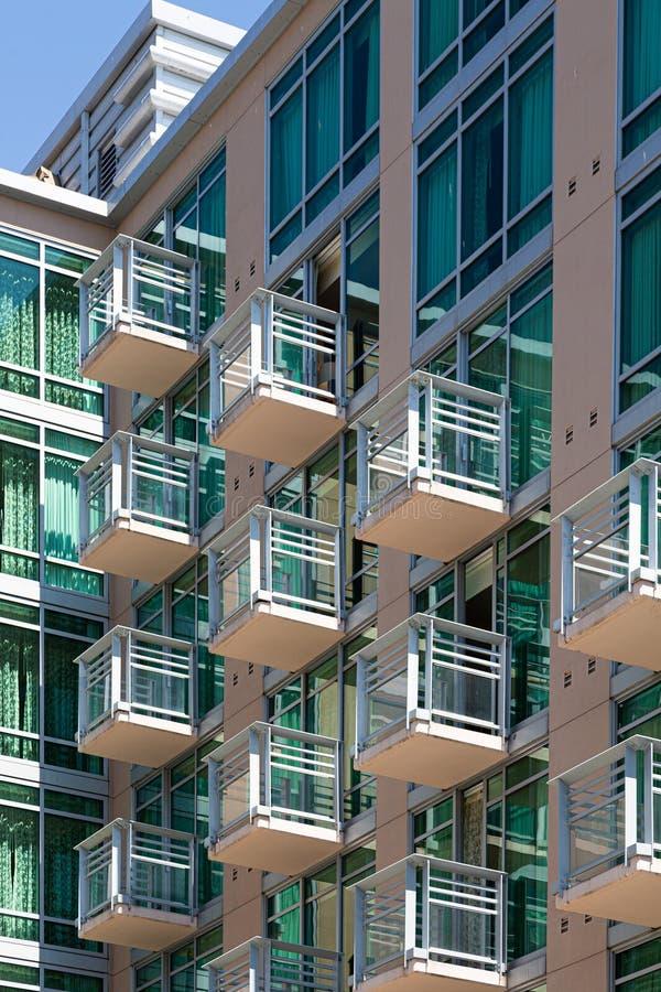 Piccoli balconi di vetro fotografia stock