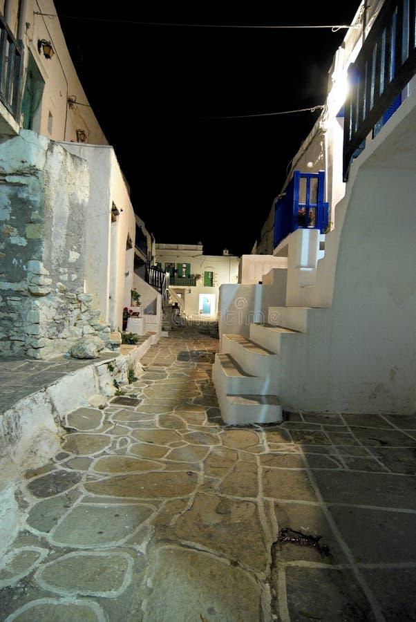 Piccoli vicoli nell'isola di Folegandros, Grecia fotografia stock
